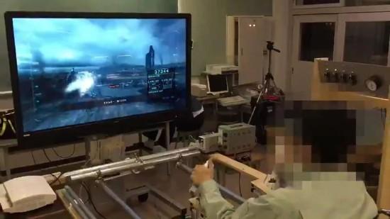 日本高中生自制《装甲核心》驾驶舱 游戏临场感爆表